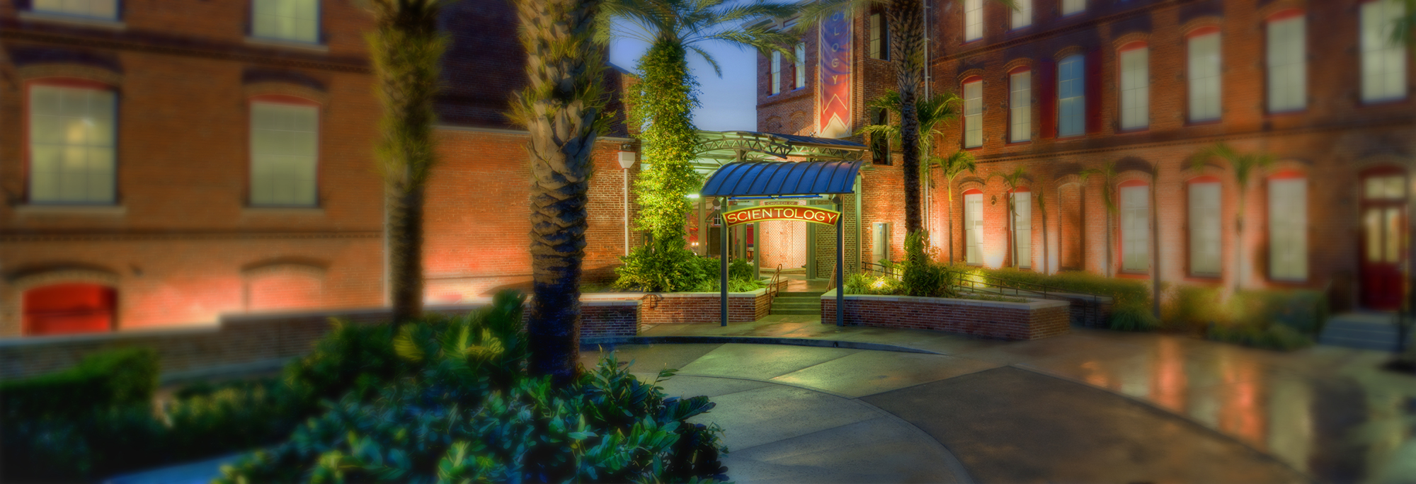 Tampa-Pano-Exterior-Magical-hdr-withblur